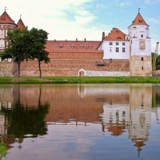 Мирский замок, вид сбоку