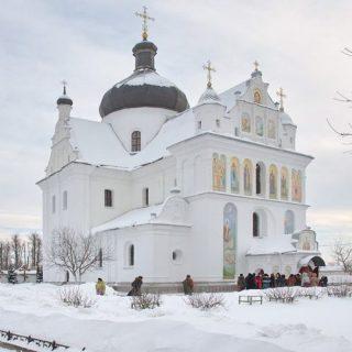 Свято-никольский женский монастырь зимой