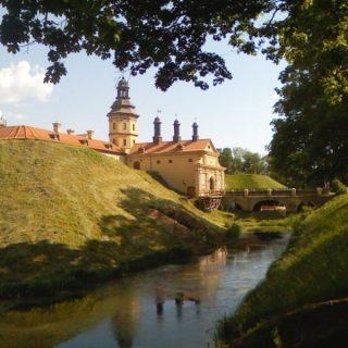 Несвижский замок, на фото реконструкция центрального входа